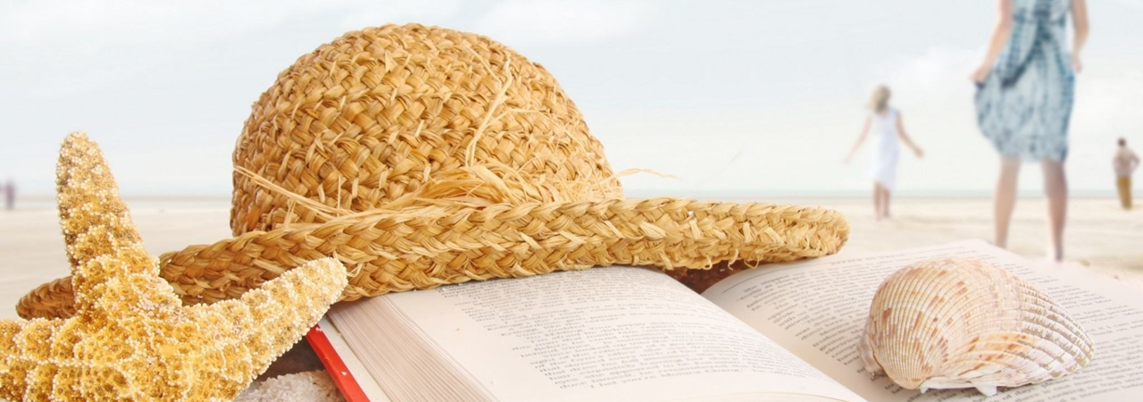 summer-beach-book-hat-nature-romance-sand-sea-shells